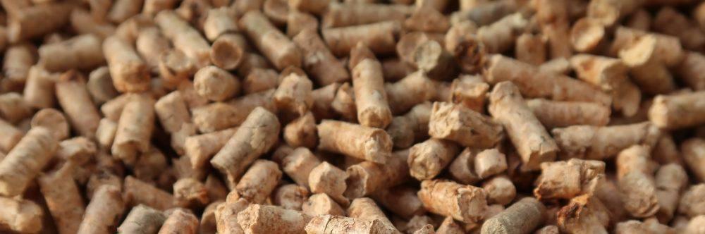 Sposób zakładający ogrzewanie pelletem to niski koszt dla właściciela i bezproblemowa obsługa kotłowni na długie lata. Niewiarygodne, jak bardzo można uprościć życie za pomocą dobrze skonfigurowanego pieca spalającego pellet.